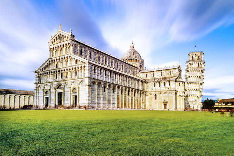 Dei Miracoli della piazza di Pisa fotografie stock libere da diritti