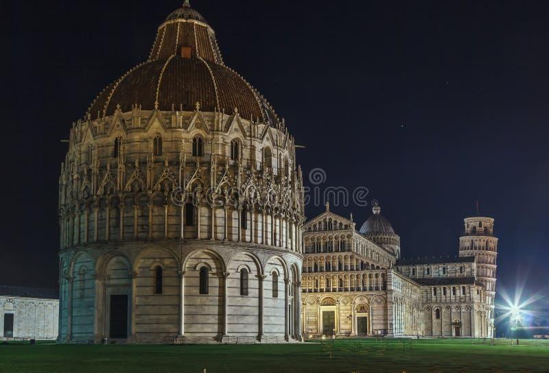 Dei Miracoli, Pisa, Italia de la plaza imágenes de archivo libres de regalías
