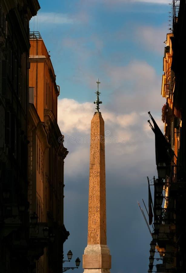 Dei Monti - Roma - Italia de Trinità del obelisco imagen de archivo