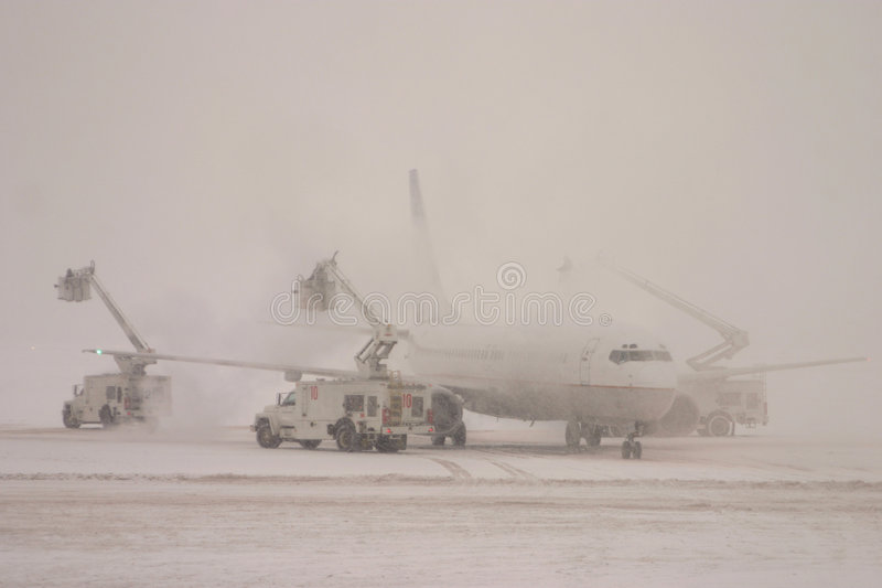 Download Deicing plane stock image. Image of airplane, cold, cancelled - 54273