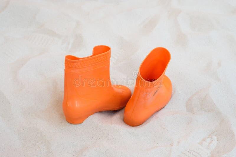 Deixando sapatas imagem de stock