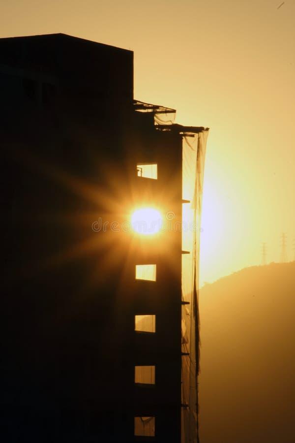 Deje el sol venir adentro imagenes de archivo
