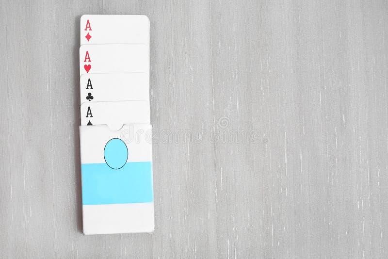 Dek van speelkaart met vakje stock foto