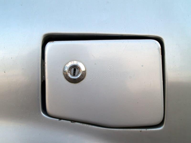 Dekking van de de brandstoftank GLB van de close-up de oude grijze auto met retro stijlsleutelgat voor gesloten stock afbeelding