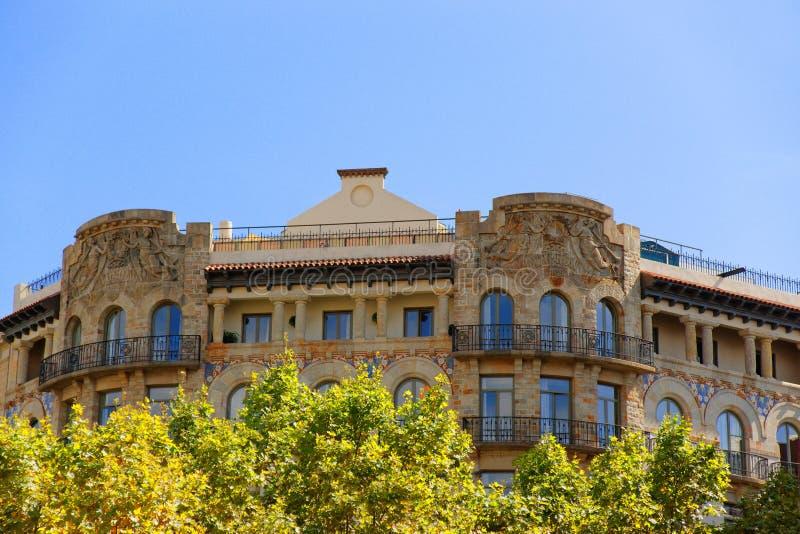 Dekor av byggnad i Passeig de Gracia 33 i Barcelona royaltyfria foton