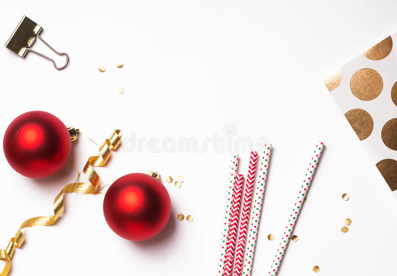 Dekor för jul och för nytt år på viten fotografering för bildbyråer