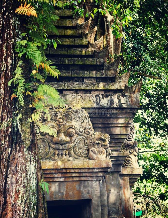 Download Dekor på Bali arkivfoto. Bild av tempel, vishnu, buddistiska - 76703686