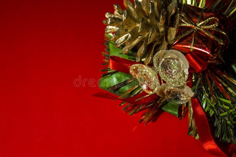 dekoracje świąteczne Pinecone, prezenty, mali szczegóły fotografia royalty free