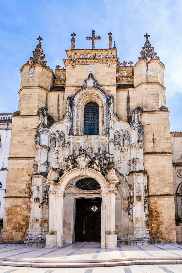Dekoracje barokowe na wejściu do elewacji Momastery Santa Cruz w Coimbra, Portugalia fotografia stock