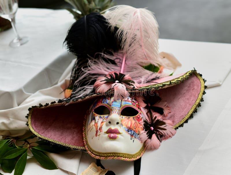 Download Dekoracyjna Wenecka Twarzy Maska Obraz Editorial - Obraz złożonej z karnawał, stół: 106923885