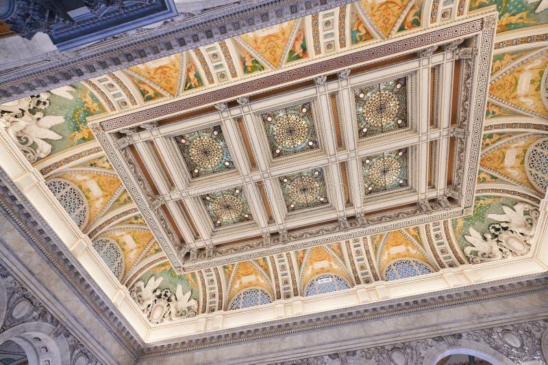 Dekoracyjne Beaux sztuki Stropuje przy Jefferson budynkiem zdjęcia stock