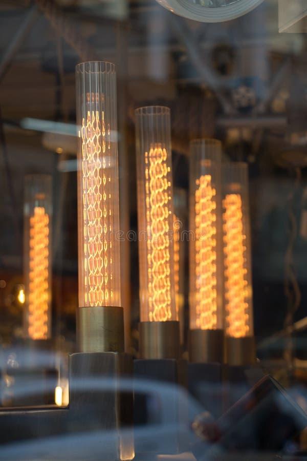 Dekoracyjne stylowe drucik żarówki obraz stock