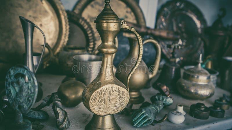 Dekoracyjnego rocznika Turecki Herbaciany czajnik obrazy royalty free