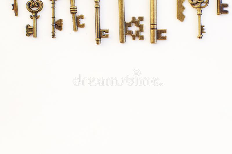 Dekoracyjni klucze różni rozmiary, stylizowany antyk obraz stock