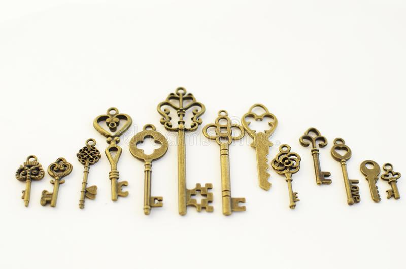 Dekoracyjni klucze różni rozmiary, stylizowany antyk zdjęcia stock