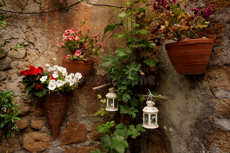 Dekoracyjni kwiatów kosze fotografia royalty free