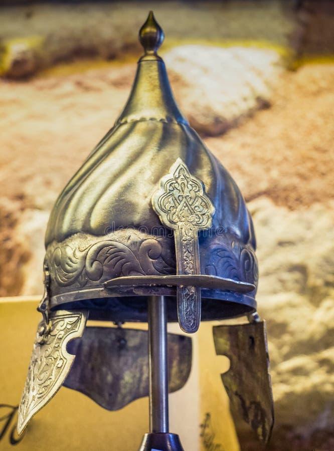 Dekoracyjni metali hełmy wojownicy Turecki Osmański czas zdjęcia stock