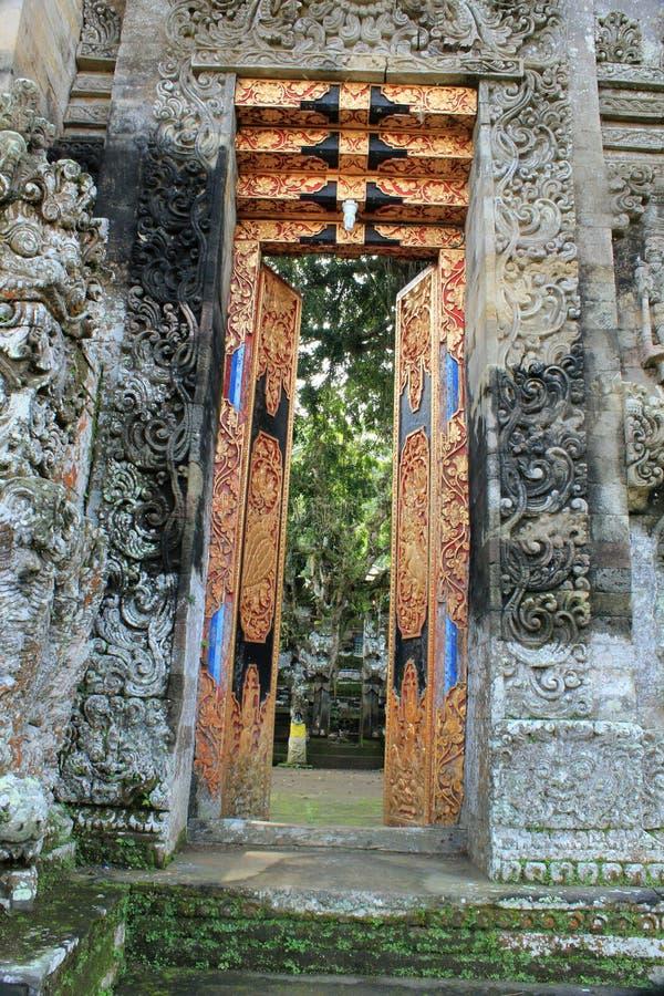 Dekoracyjni otwarte drzwi Pura Kehen świątynia w Bali fotografia royalty free