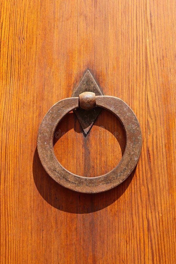 Dekoracyjny żelazny knocker obraz stock