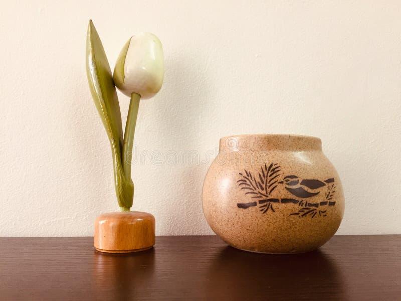 Dekoracyjny biurko jest inspiracją pracować i żyć zdjęcia stock