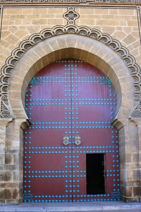 Dekoracyjny drzwi w Maroko fotografia royalty free