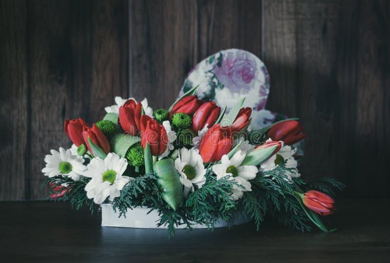 Dekoracyjny Kwiecisty przygotowania z Różnorodnymi kwiatami obraz royalty free