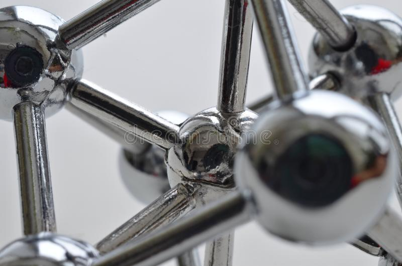 Dekoracyjny model żelazna molekuła robić stal nierdzewna zdjęcie stock