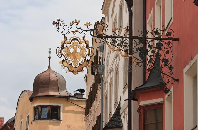 Dekoracyjny signboard w dziejowym Rattenberg, Aus fotografia royalty free