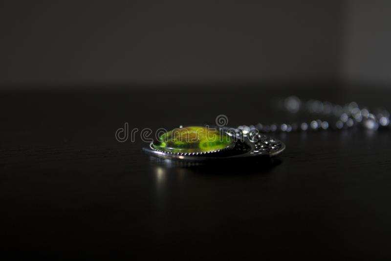 Dekoration auf einem dunklen Hintergrund lizenzfreies stockfoto