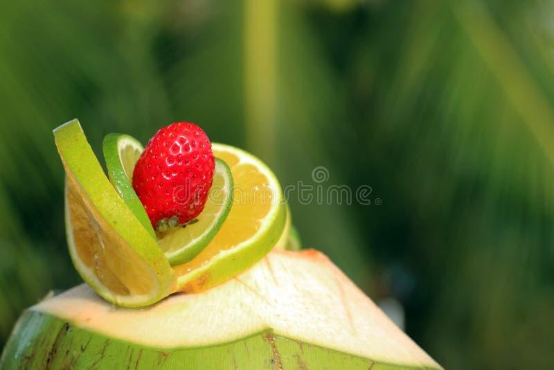 Great Download Dekoration Mit Kalk Und Erdbeeren Auf Kokosnuss Stockbild   Bild  Von Nahrung, Getränk: