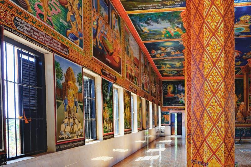 Dekorations-und Gold-Buddha-Statue im buddhistischen Tempel lizenzfreie stockfotografie