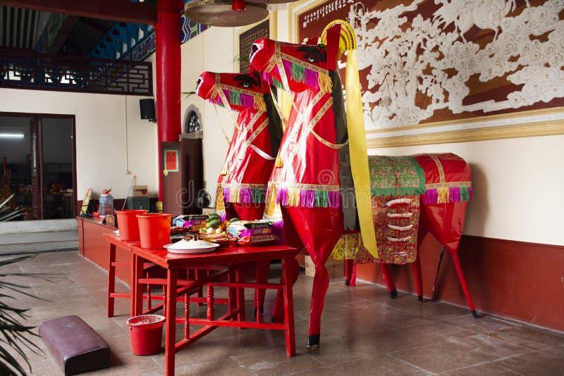 Dekorationsm?bel und Opferangebote f?r chinesisches Volk beten Gott und Denkmal zum Vorfahr in Tiantan-Tempel bei China stockfotos