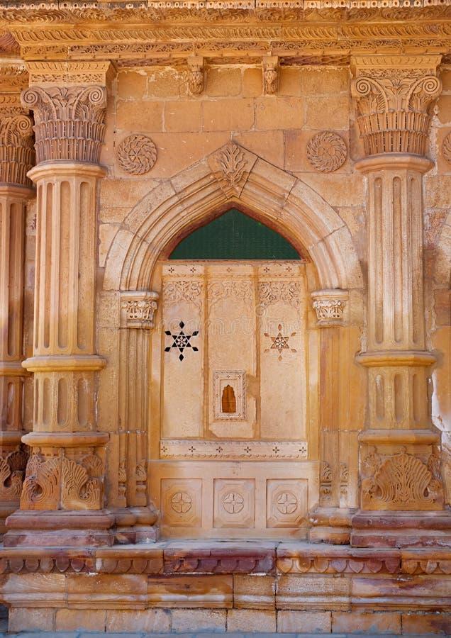 Dekorativ detalj av den Mandir slotten i Jaisalmer, Indien arkivbilder