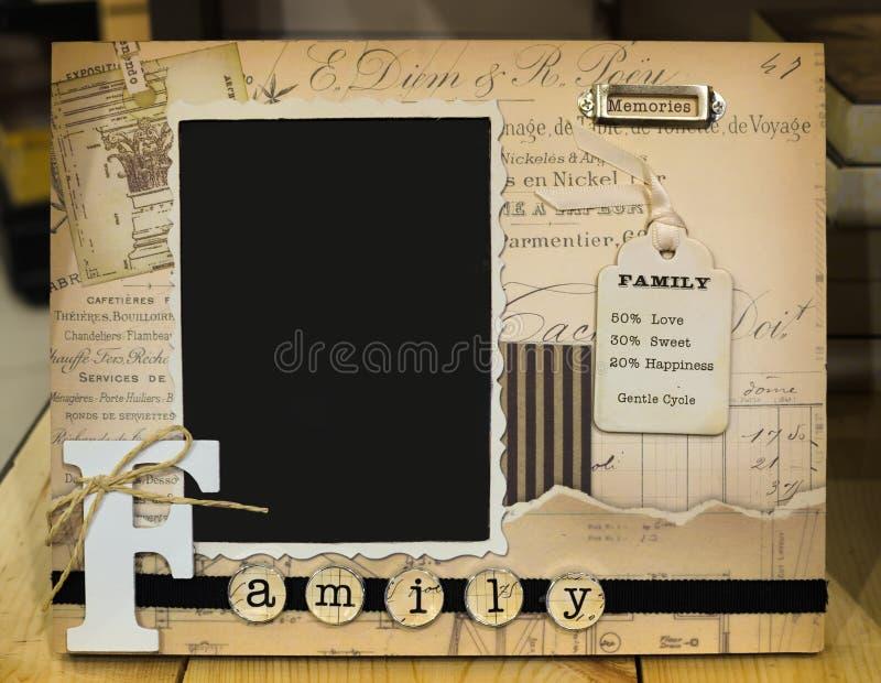 Dekorativ fotoram för familjfoto royaltyfria bilder