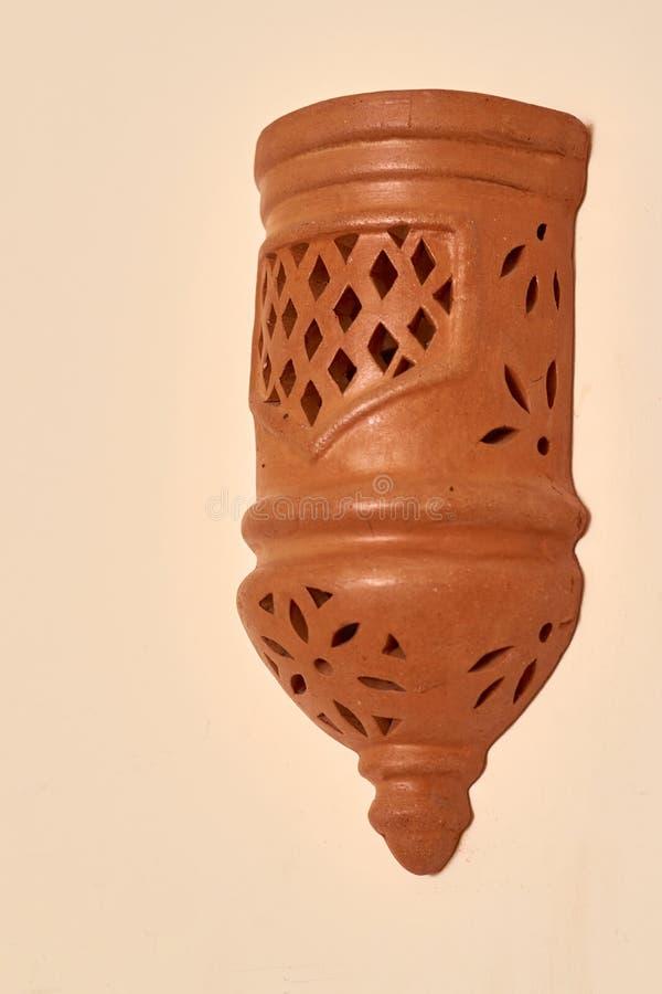 Dekorativ keramisk lampa, östlig kultur, dekorbakgrund royaltyfri fotografi