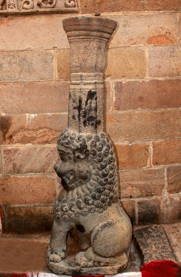 Dekorativ pelaryalliskulptur på den forntida trichirappallirockforten royaltyfri bild