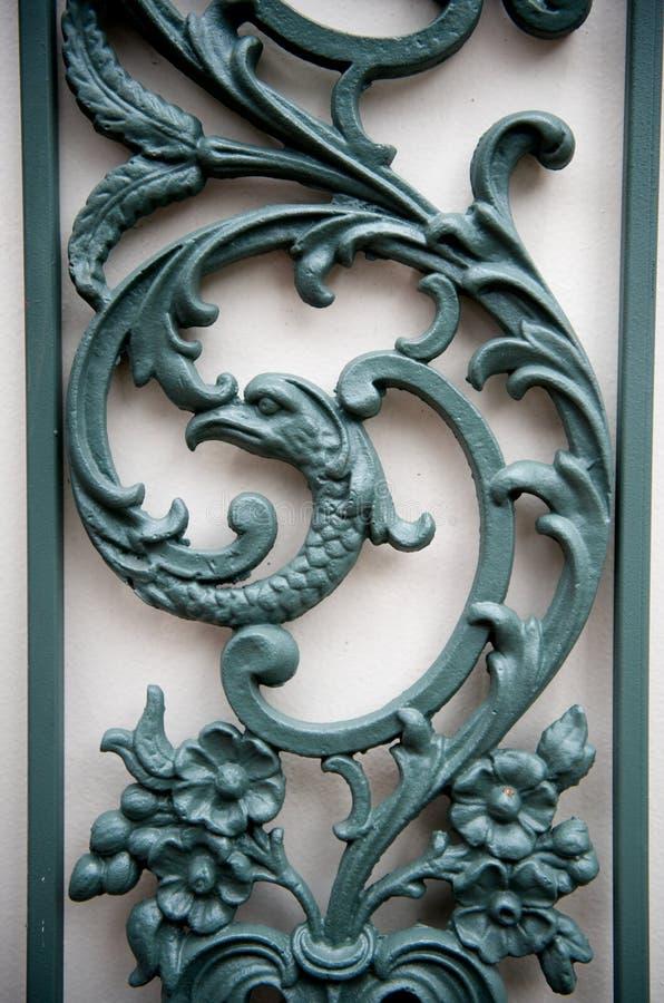 dekorativ scrollingspaljé royaltyfria foton