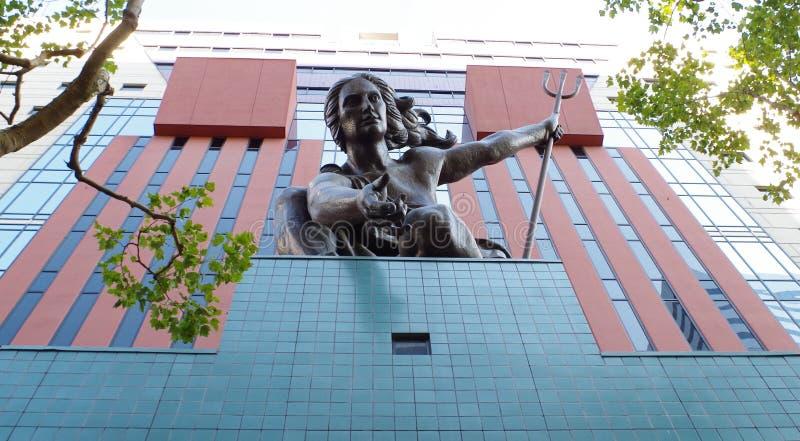 Dekorativ staty på regerings- byggnad, Portland, Oregon fotografering för bildbyråer