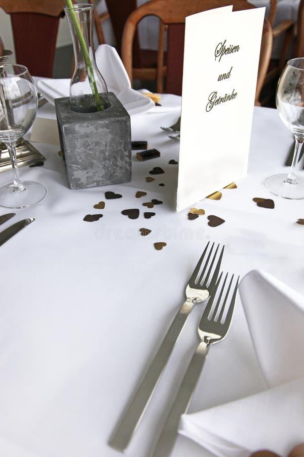 Dekorative romantische Tabelleneinstellung stockfoto