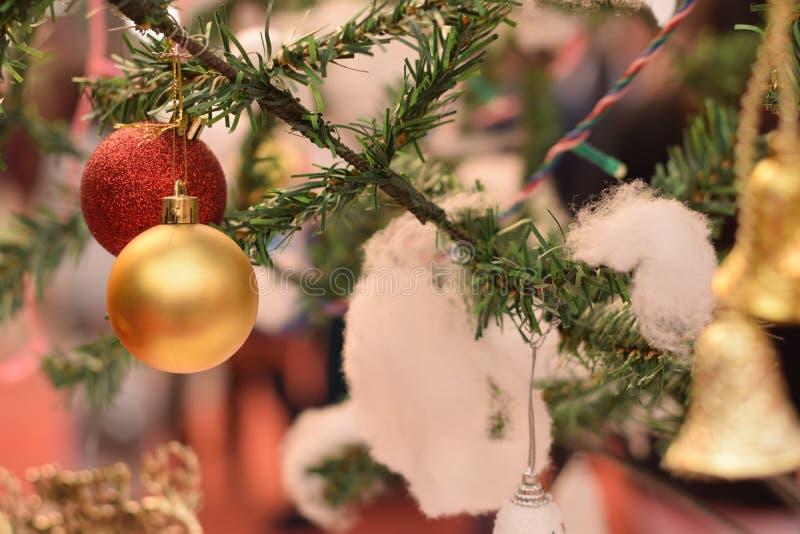 Dekorative Weihnachtsbälle stockbild