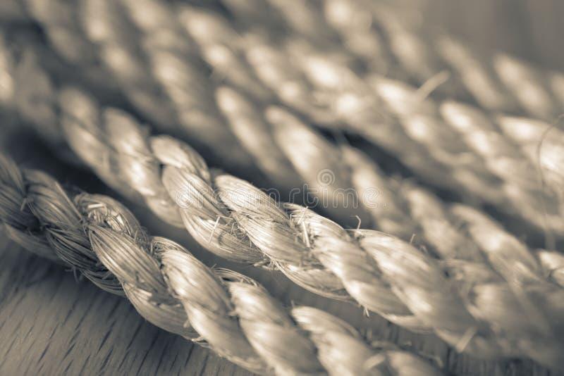 Dekoratives Spalte-getontes Seil lizenzfreies stockbild