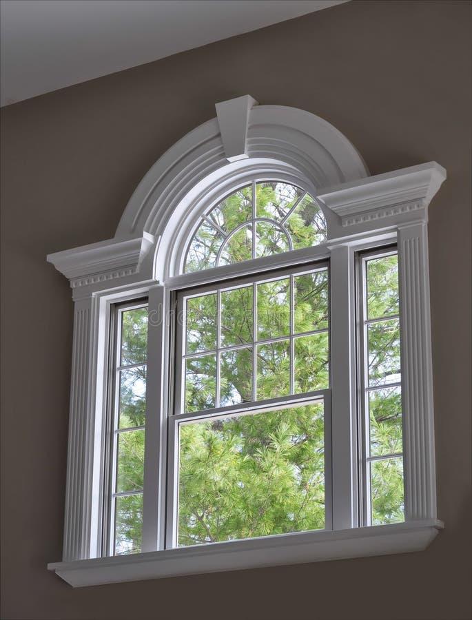 dekorativt fönster