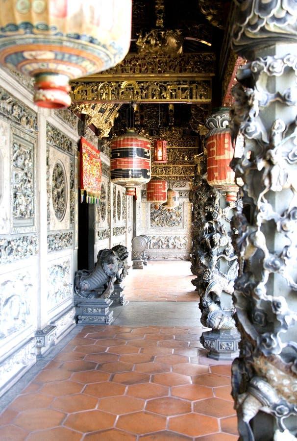 dekorativt ingångshus för kinesisk clan arkivfoto