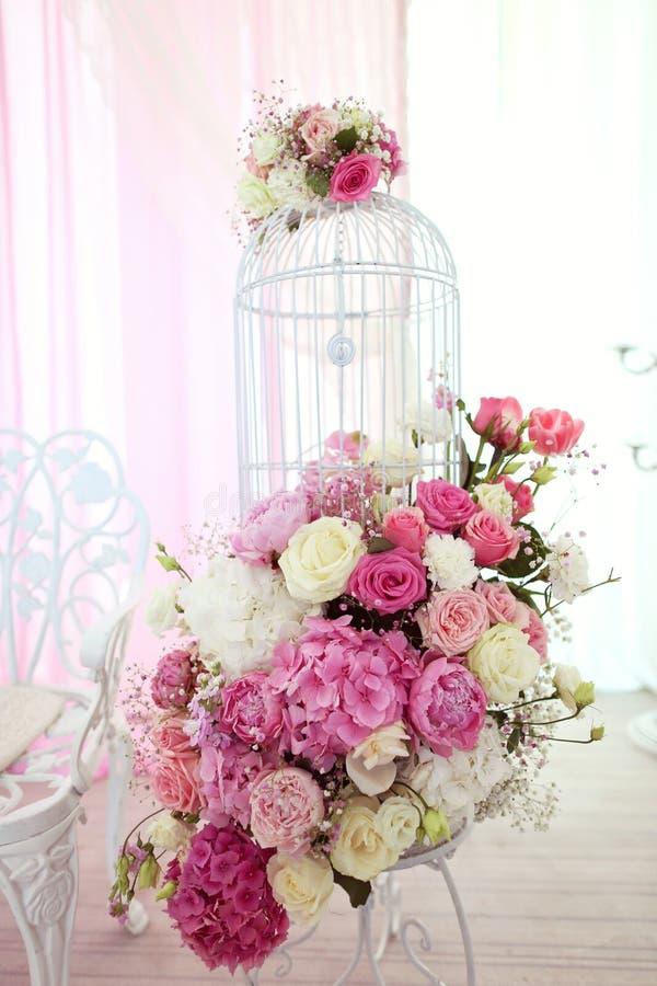 dekoren blommar bröllop royaltyfria bilder