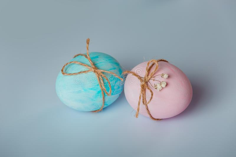 Dekorować jajka Wielkanoc przychodzi wkrótce fotografia royalty free