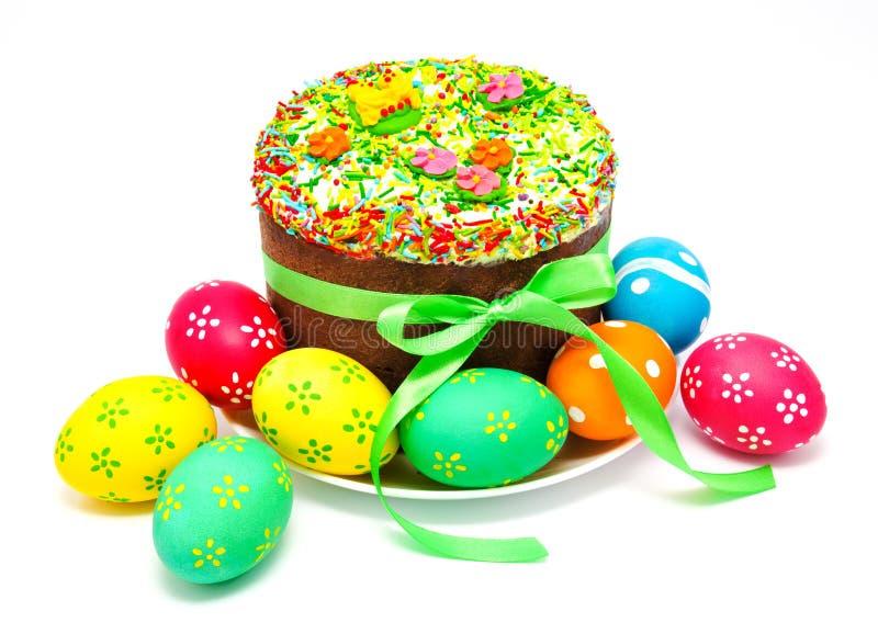 Dekorujący Easter tort, jajka odizolowywający i obraz stock