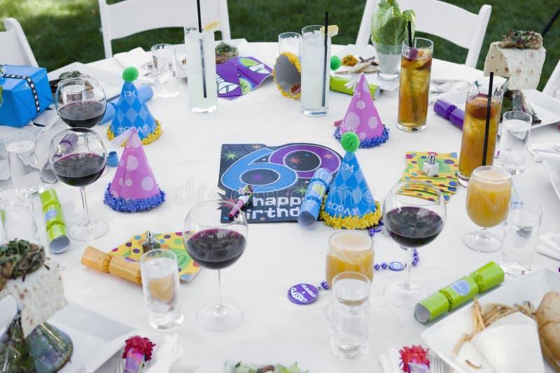 Dekorujący stół Dla urodziny zdjęcie royalty free