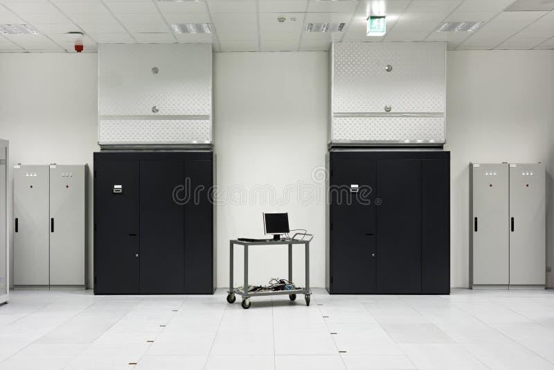 Del av en modern datorhall royaltyfria bilder