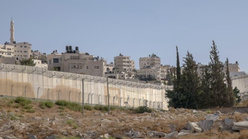 Del av gränsväggen mellan Palestina och Israel royaltyfria bilder