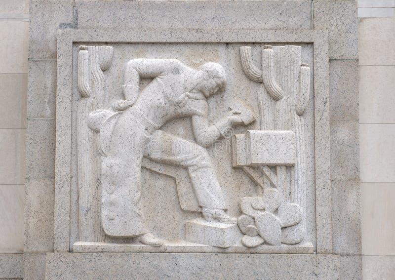 ` Del cowboy del ` da Edmond Amateis, Robert N C Niente, Sr Costruzione & ufficio postale federali immagini stock libere da diritti